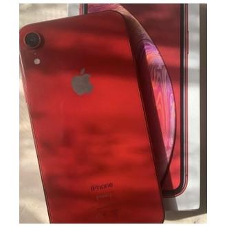 Купила Apple iPhone XR 64Gb в красном цвете по хорошей цене