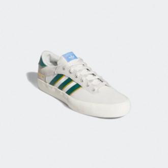 Кеды и кроссовки в одной подборке на распродаже в Adidas