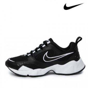 Кроссовки женские Nike Air Heights со скидкой