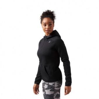 Подборка женских худи и свитшотов на распродаже в Reebok