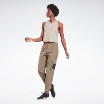 Подборка спортивных женских брюк на распродаже в Reebok