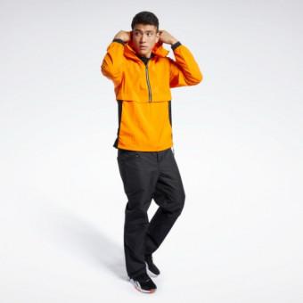 Подборка спортивных курток и анораков по выгодным ценам в Reebok