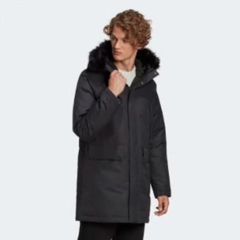 Подборка курток и пуховиков по акции в Adidas