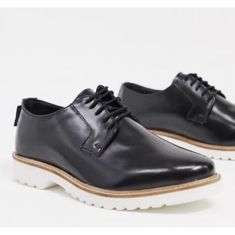 Подборка мужской кожаной обуви на ASOS по хорошим ценам, например, ботинки из глянцевой кожи  Ben Sherman
