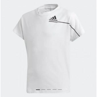 Подборка детских футболок на распродаже в Adidas