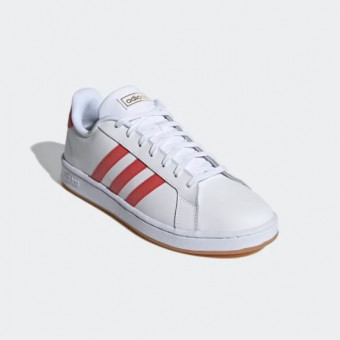 Подборка качественных мужских кроссовок с распродажи в Adidas