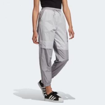 Женские брюки с манжетами в Adidas по большой скидке