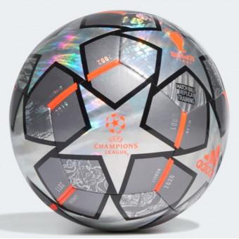 Подборка футбольных и мини-мячей с распродажи в Adidas