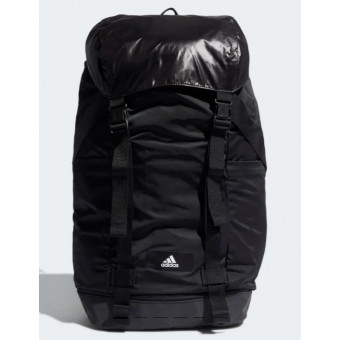 Подборка сумок и рюкзаков с распродажи в Adidas