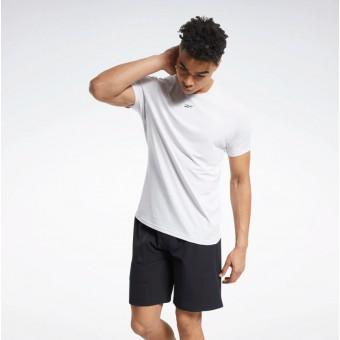 Подборка мужских футболок на распродаже